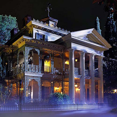official-photo-disneyland-haunted-mansion
