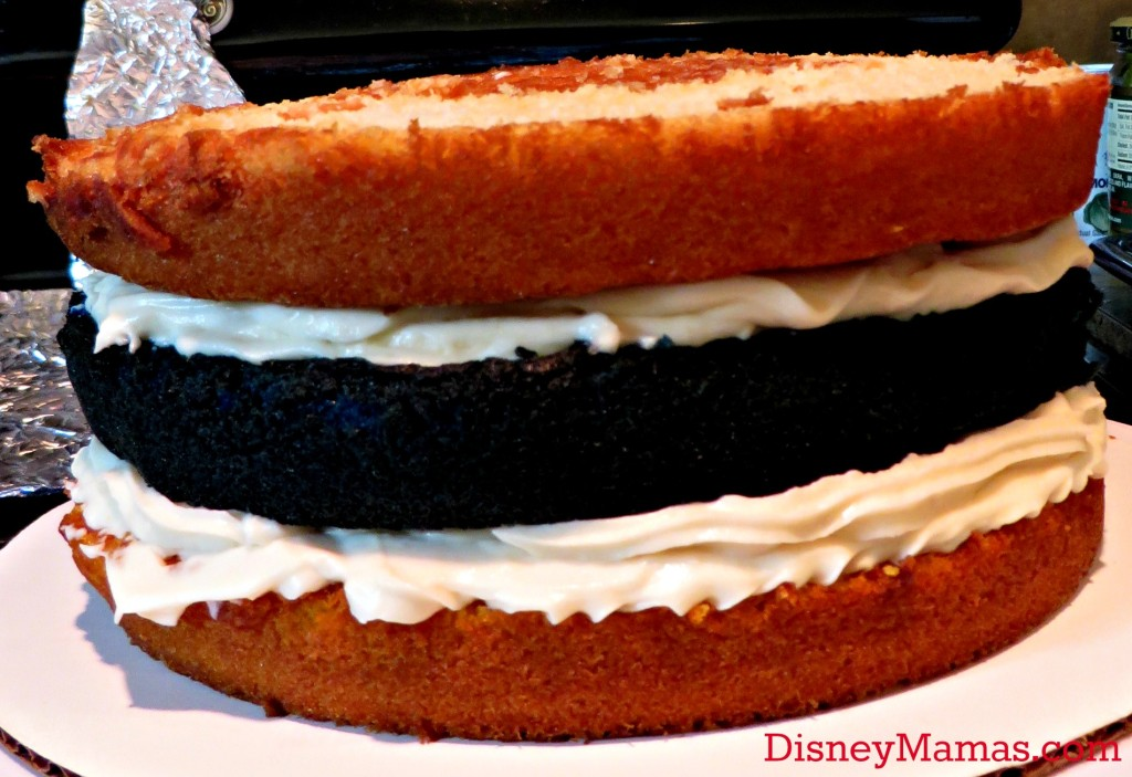 Choose a filling for your Donald Duck Cake Layers
