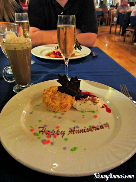 Anniversary Dessert at Narcoossee's | Disney Mamas