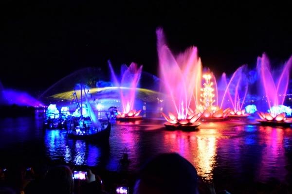 5 Spring Break Must-Dos at Walt Disney World ~ Rivers of Light