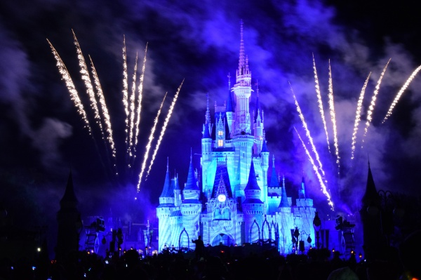 5 Tips for Mickey's Very Merry Christmas Party You Need to Know